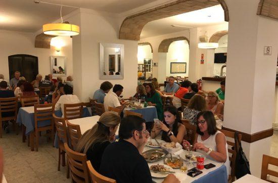 de beste kip Piri Piri eet je bij Almires in Albufeira